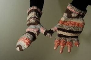 Project Hospitality is seeking donatations of new winter gloves, hats, scarfs and other items for its annual winter clothing drive. (Staten Island Advance file photo)