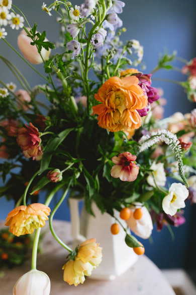 a-colorful-spring-floral-arrangement-inspired-by-dutch-paintings-floral-tutorial-on-coco-kelley